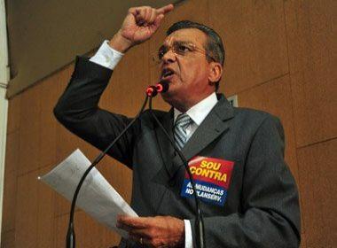 Targino dispara contra César Borges e ex-aliados: 'Trocam-se por um punhado de moedas'
