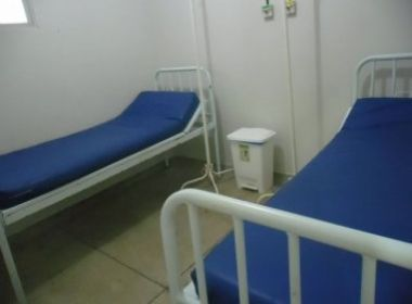 Canudos: Secretária nega irregularidades em hospital e acusa vereadores de 'forjar' fotos