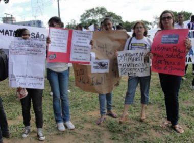 Sem salários, professores em greve fazem malabarismo para sobreviver