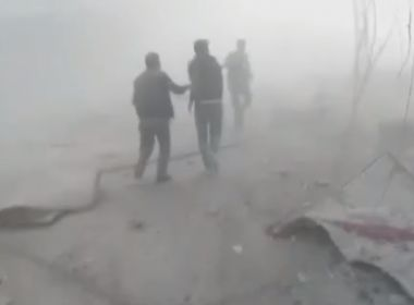 Ataque químico deixa dezenas de mortos na Síria, relatam ONGs