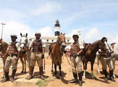 Para economizar gasolina, PM inicia rondas com cavalos, drones e bicicletas em Salvador