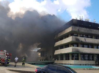 Incêndio atinge prédio da Assembleia Legislativa da Bahia; veja vídeo