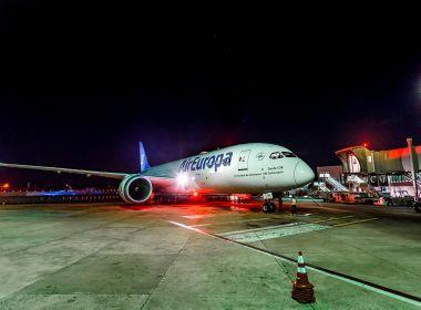 Avião mais moderno do mundo parte de Salvador em primeira operação no Nordeste