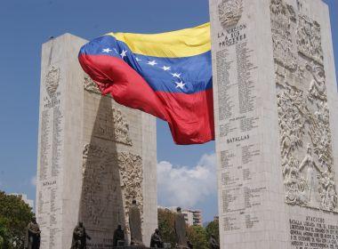 Temendo novos conflitos, grupo de venezuelanos resolve deixar o Brasil