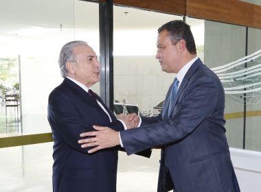 João Santana critica adversários que atacam Temer na campanha: 'Covardia'
