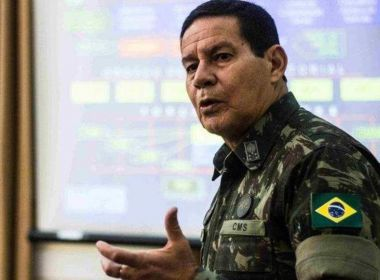 Vice de Bolsonaro, Mourão volta a criticar 13º salário: 'Todos saímos prejudicados'