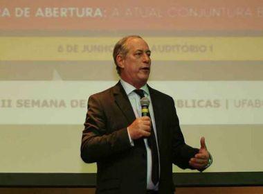 Ciro afirma ter sido 'miseravelmente traído' por Lula e acusa PT de eleger Bolsonaro