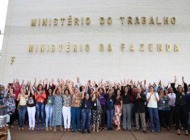 Servidores fazem protesto contra fim do Ministério do Trabalho