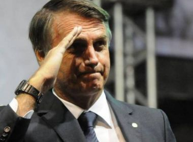 Bolsonaro culpa doadores por erros e diz que fez campanha barata