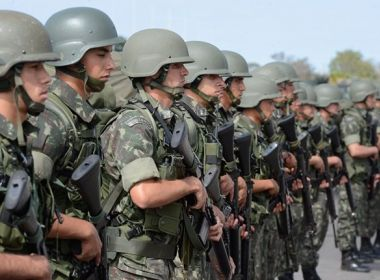 Após erro no sistema, governo providencia pagamento de militares aposentados em folha especial