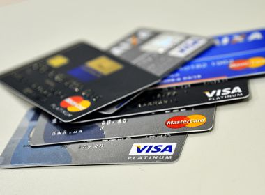 Crediário e cartão são maiores responsáveis por inadimplência, aponta levantamento do SPC
