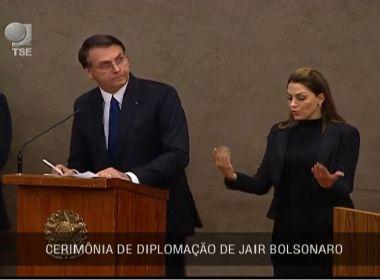 Bolsonaro agradece a Deus por estar vivo e diz que eleições foram 'livres e justas'