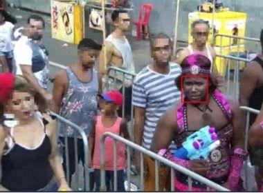 Vestido de muquirana, folião é preso após aparecer em sistema de reconhecimento facial
