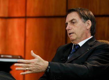 Bolsonaro começa a perder queda de braço com Congresso, mas não quer descer do palanque