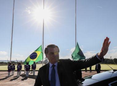 A estabilidade militar de Bolsonaro e os devaneios de que o golpe de 1964 nunca existiu