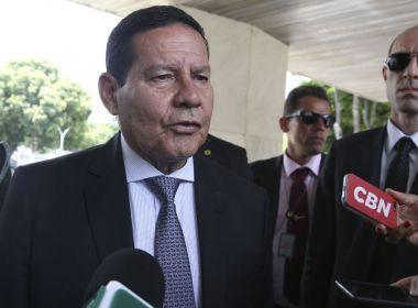 Mourão diz que decisão de divulgação de vídeo pró-ditadura pelo Planalto foi de Bolsonaro