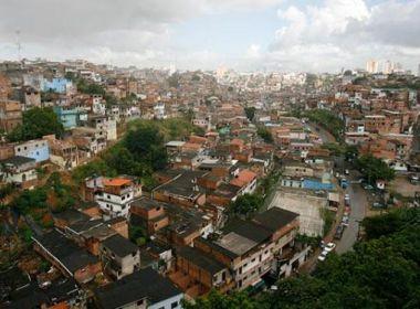 Avó suspeita de jogar neto pela janela durante discussão com filha em Salvador é presa