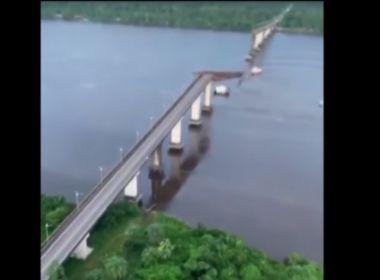 Após colisão de barca, parte de ponte da Alça Viária cai no Rio Moju, no Pará