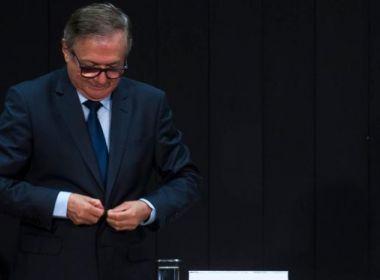 Queda de 2º ministro segue lógica bolsonarista com troca de seis por meia dúzia