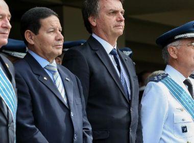Bolsonaro se incomoda com Mourão e sugere que vice age como presidente paralelo