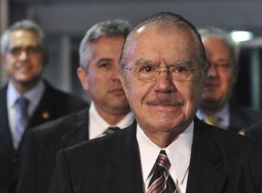 Sarney diz que Bolsonaro 'está colocando todas as cartas na ameaça do caos'