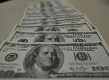 Banco Central estuda permitir abertura de conta em dólares no Brasil