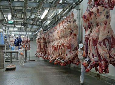 China recomeça com importações de carne bovina do Brasil