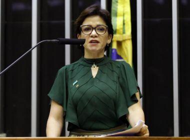Deputada do PSL pressiona PF sobre processo contra ministro de Bolsonaro