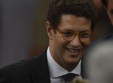 Ministro do Meio Ambiente, Ricardo Salles é internado em UTI de Brasília