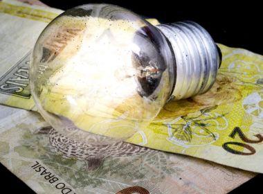 Taxa extra da conta de luz será menor em outubro, informa Aneel