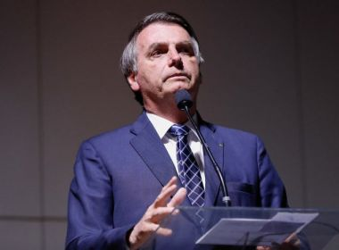 Bolsonaro tem alta e deixa hospital após internação por acidente no banheiro