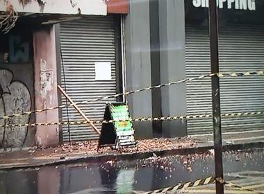Codesal emite alerta para risco de desabamento no Comércio; Rua dos Algibebes é bloqueada