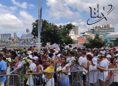 Festa de Iemanjá movimenta e lota orla do Rio Vermelho neste domingo