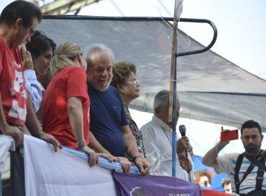 Lula é contratado como dirigente partidário e passa a receber salário do PT