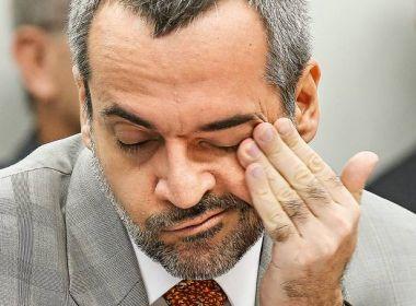 Governo estuda saída pacifica para Weintraub; ministro pode ir para embaixada