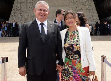 Coronel desiste de pré-candidatura e lança esposa para disputar prefeitura de Salvador