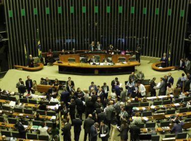 Alcolumbre suspende sessão e votação sobre orçamento impositivo fica para próxima terça