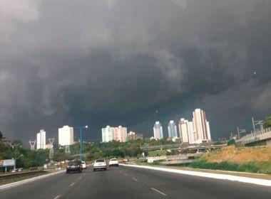 Previsão é de frente fria, tempo fechado e temporais na Bahia durante toda a semana