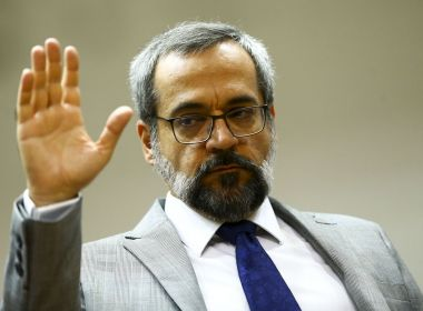 Weintraub condiciona pedido de desculpas à China a venda de respiradores ao Brasil