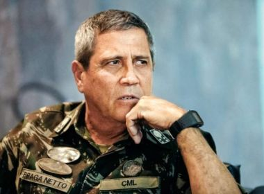 Braga Netto age para evitar demissão de Mandetta e vira alvo do 'gabinete do ódio'