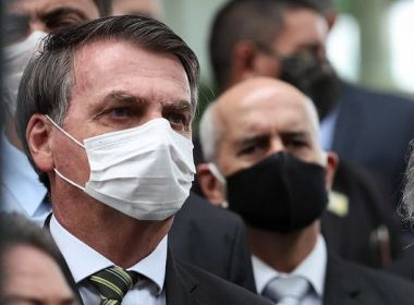 Exames para coronavírus de Bolsonaro deram negativo; presidente usou pseudônimos