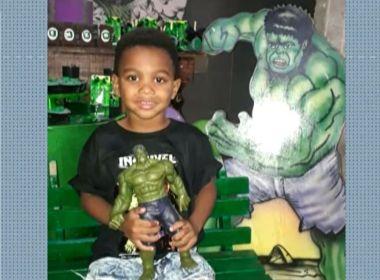 Menino de 4 anos morto na própria festa de aniversário é enterrado; caso tem 3 versões