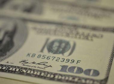 Dólar tem queda na semana e é vendido a R$ 5,32; Bolsa tem dia de leve alta