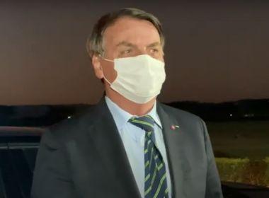 Com sintomas de Covid, Bolsonaro faz teste e alerta apoiadores: 'Não pode chegar perto'