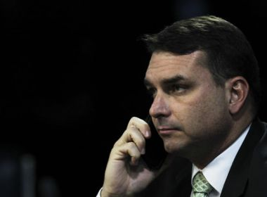 MP-RJ investiga se loja de Flávio Bolsonaro foi usada para lavar R$ 2,1 milhões
