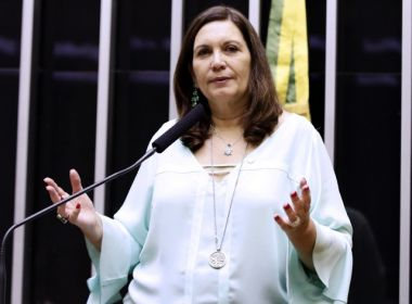 Bia Kicis faz post racista sobre Mandetta e Moro; ex-ministro responde: 'racista chula'
