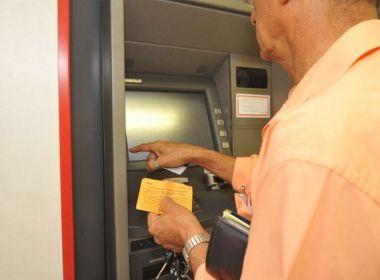 Agências bancárias só abrirão por duas horas na véspera de Natal
