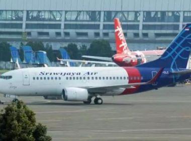 Avião com 62 pessoas a bordo cai na Indonésia quatro minutos após decolagem