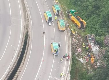 Acidente com ônibus deixa 21 mortos e mais de 30 feridos na BR-376