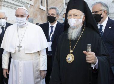 Papa Francisco recebe segunda dose de vacina contra a Covid-19